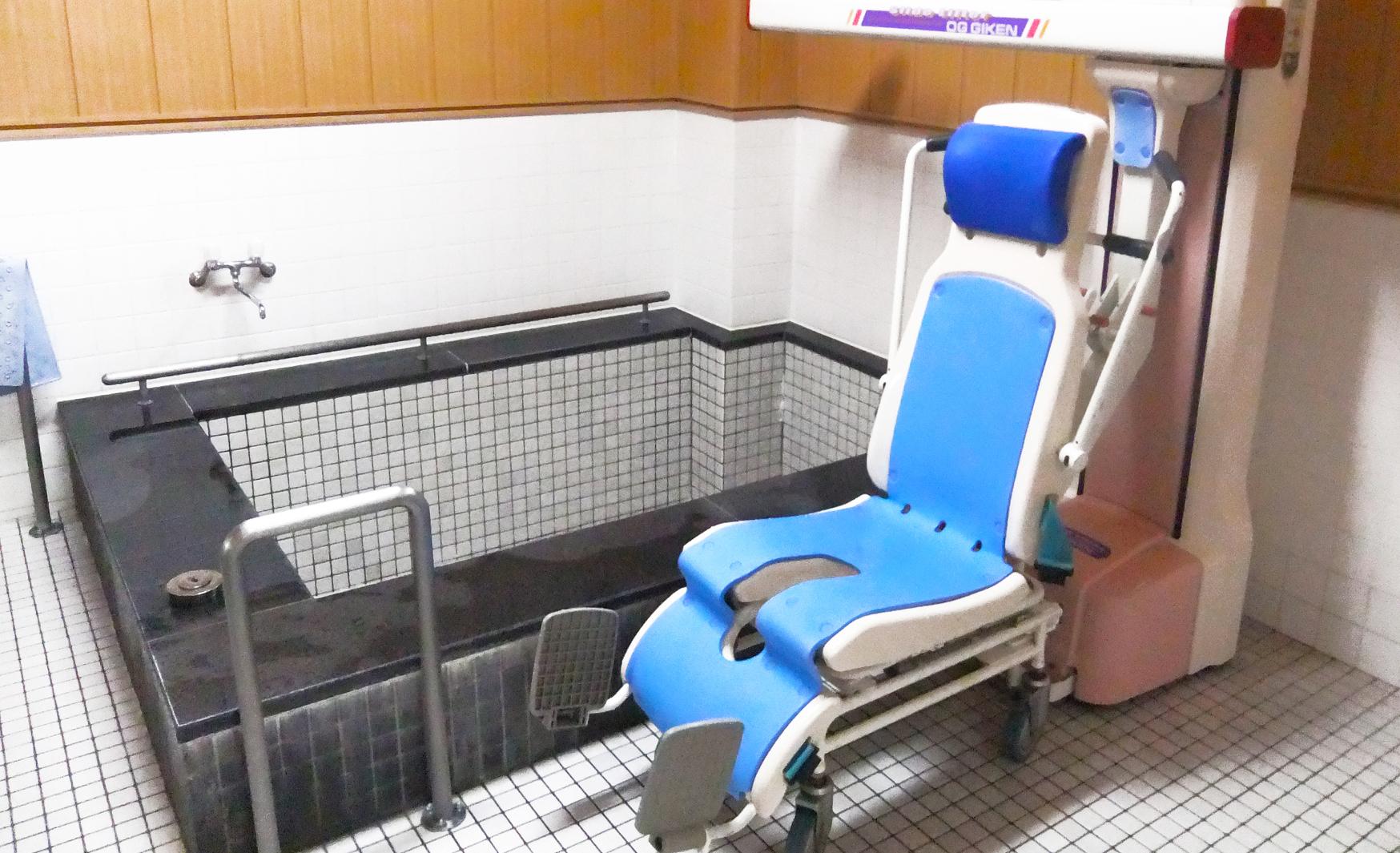 セルプ南風 短期入所浴室